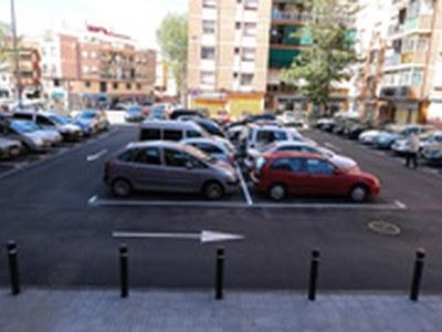 Renovada la zona d'aparcament entre Campfaso i plaça Machado