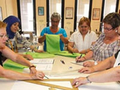 Prop d'una cinquantena de propostes de formació i activitats lúdiques als centres cívics de la ciutat