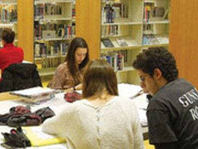 Les biblioteques omplen el nostre univers de lectures i imaginació