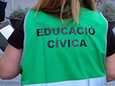 Reforç dels equips d'educadors cívics per informar sobre mesures de protecció contra la Covid-19