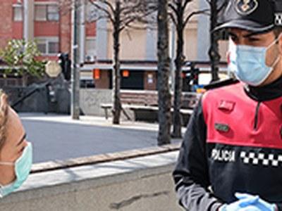 Un equip de trenta rastrejadors recorre la ciutat per evitar aglomeracions a l'espai públic