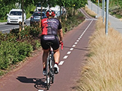 Obres de millora a diferents carrils bici de la ciutat