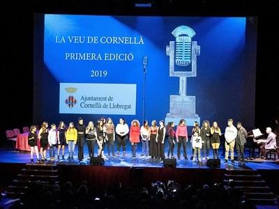 Els premiats de la primera edició de La Veu de Cornellà presenten un disc