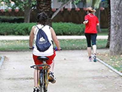 Senyalització als parcs per facilitar el compliment de les mesures de seguretat