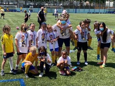 CLUB DEPORTIVO FONTSANTA-FATJÓ. El benjamí A femení s'ha proclamat campió de la seva categoria.