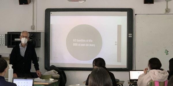 L'alumnat de l'Institut Maria Aurèlia Capmany ha creat l'Instagram de la Botiga Solidària