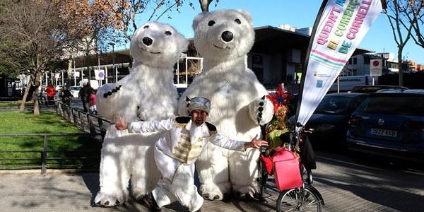 Espectáculos itinerantes llenan la ciudad de ambiente festivo