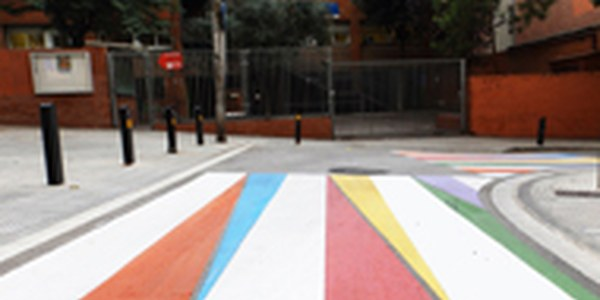 Reforzada la señalización de los pasos de peatones próximos a las escuelas